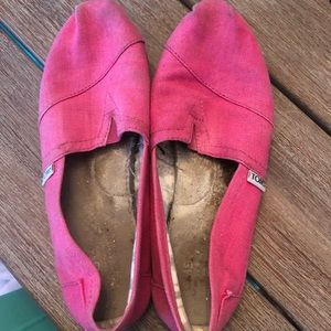 Hot pink size 8 / 8.5 TOMS